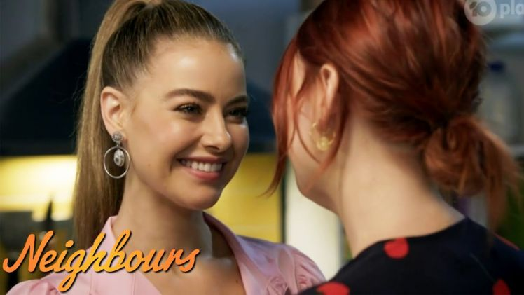Chloe & Nicolette Hook Up For The First Time! Neighbours Reaction!